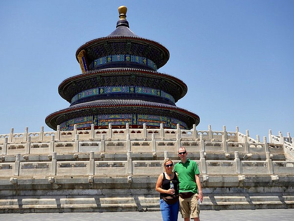 customers in front of temple of heaven in china
