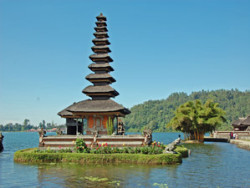 Munduk and the Temple Lake