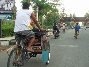 Indonesia-Pangandaran-Local-Rickshaw