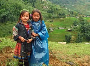 Local girls in Sapa