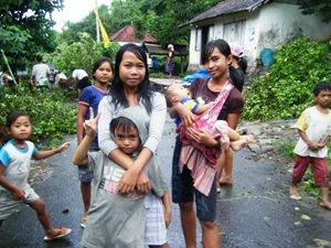 local children at the bali homestay