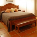 cachi hotel room bed