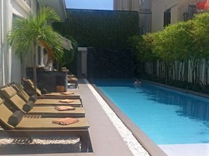 In Style hotel with pool and sunbeds