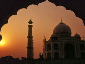 India: Sunrise at the Taj Mahal