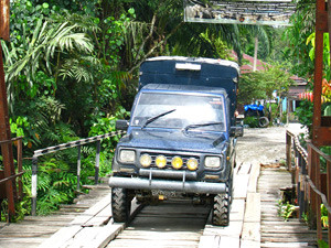 Indonesia-Sumatra-Tangkahan-Transport-jeep-to-jungle