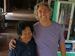 Customer with woman from homestay