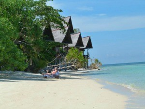 beach bungalows borneo