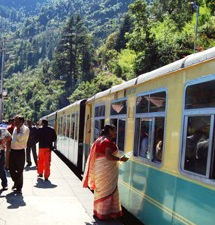 india train stopped at the station