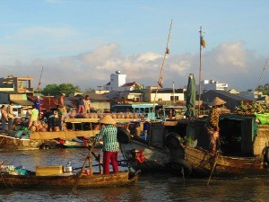 vietnam local fishermen on boats