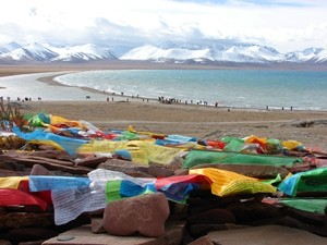 Tibet prayer flags and lake