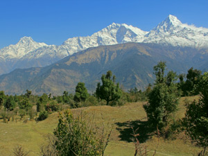 landscape view of himalayas in nepal