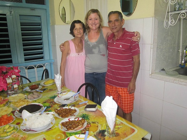 Ceri staff in casa with a family in Cuba