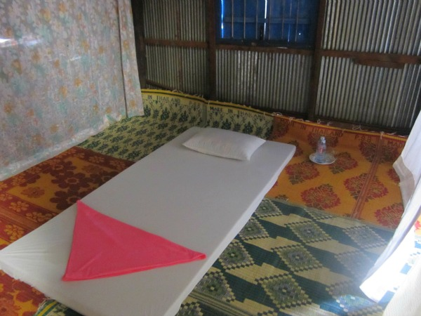 bedroom in tonle sap homestay
