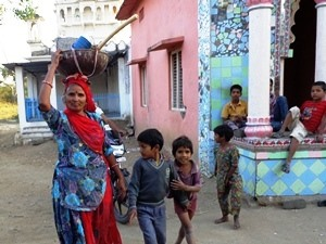India-Rajasthan-Barli-Local-Woman-Children
