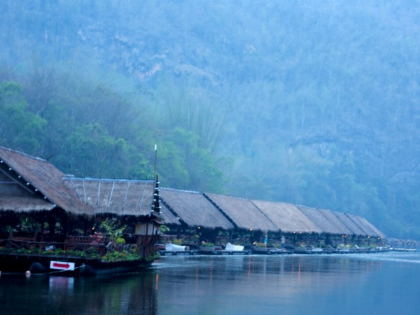 Thailand-Kanchanaburi-River-Kwai-accommodation-floating-raft-hotel-dawn