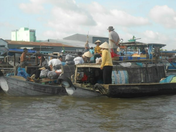 Floating market on the Vietnamese Mekong Delta