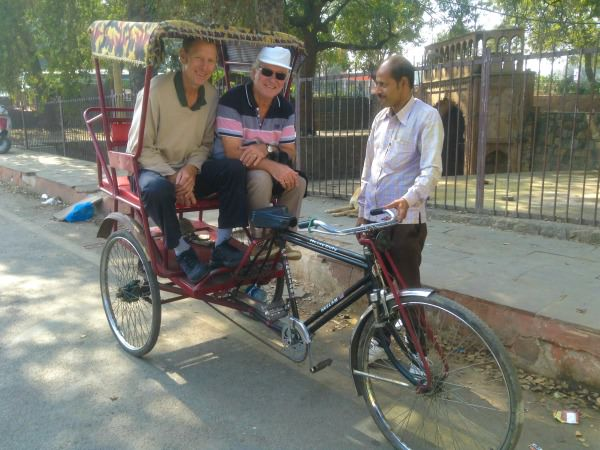 india-customer-john-vicky-stepdad-transport-rickshaw