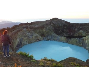 Sunrise at Kelimutu, and on to Bajawa
