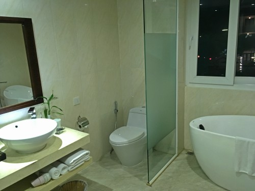 Bathroom suite accommodation in Hoi an Vietnam