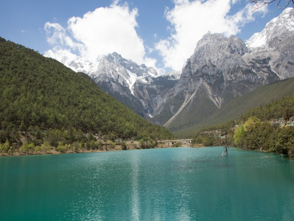 lake and mountain in wumu china