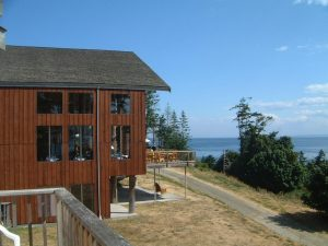 Quadra Island Accommodation Lodge