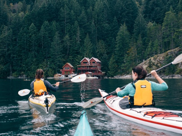 2 customers kayaking on Quadra Island