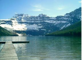 Waterton Park Lake and mountain
