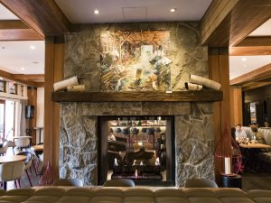 Cosy fireplace at in style lodge in Whistler