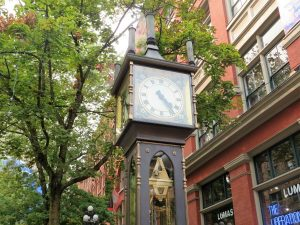 steam clock in gastown vancouver canada