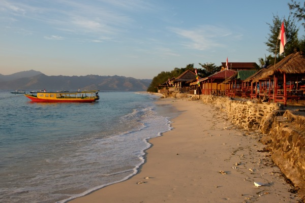 Gili-Air-Indonesia-Beach-Boat-Sunset