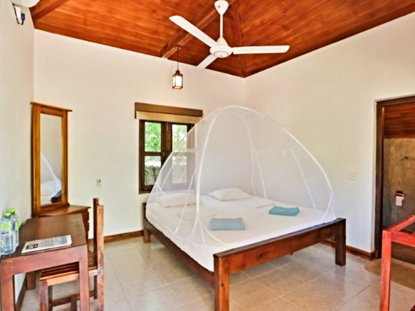 bedroom in bungalow at arugam bay accommodation