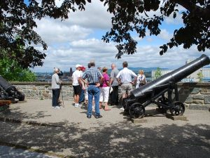 Walking tour with canons and view of Quebec