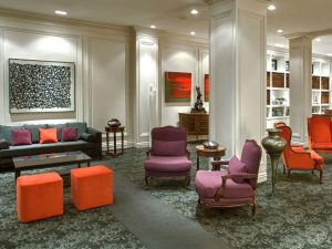 Lobby area with chairs and tables