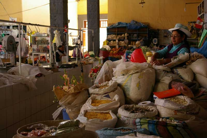 Market selling local hand-made arts and crafts