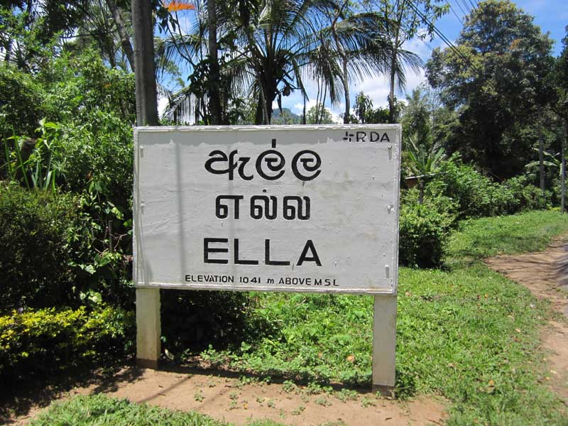 Sri Lanka welcome sign in Ella