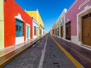 colouful buildings in campeche