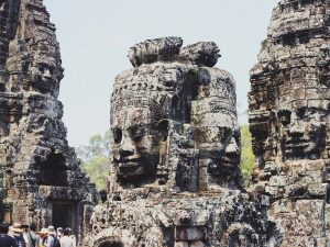Statues in angkor watt