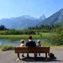 Canada-Banff-National-Park-Families-Scenery