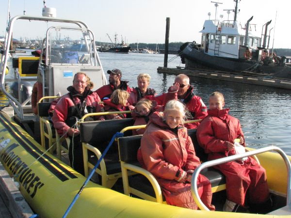 Whale-watching boat trip in Campbell River, Canada