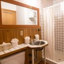 reefpoint-cottages-ucluelet-bathroom