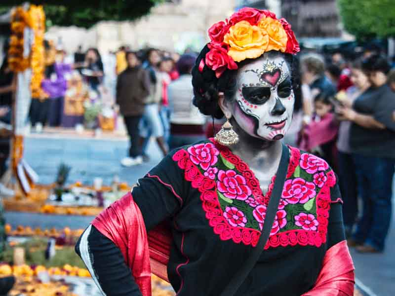 la carina costume at the day of the dead festival