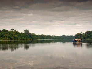 Taking the boat to the Amazon lodge