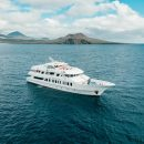Galapagos cruise in style boat
