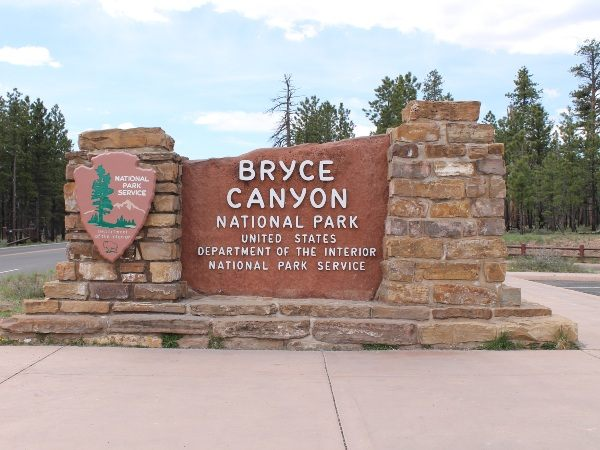Sign at the entrance of Bryce National Park, USA
