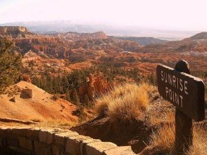 Sunrise point overlooking red rock canyon, Bryce National Park, USA