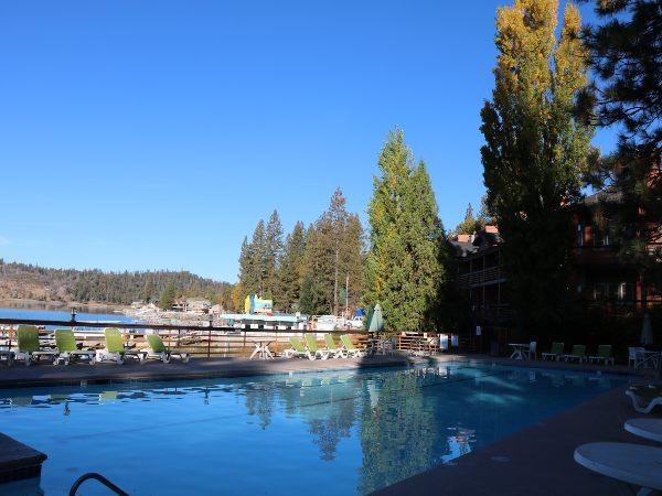 accommodation pines resort pool