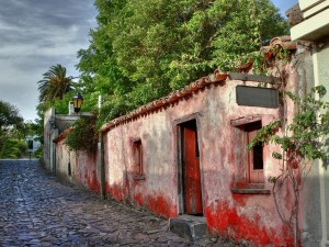 cobbled streets of Colonia