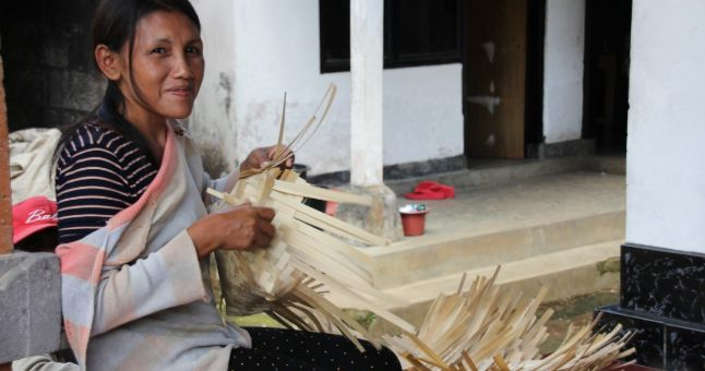 Indonesian woman weaving
