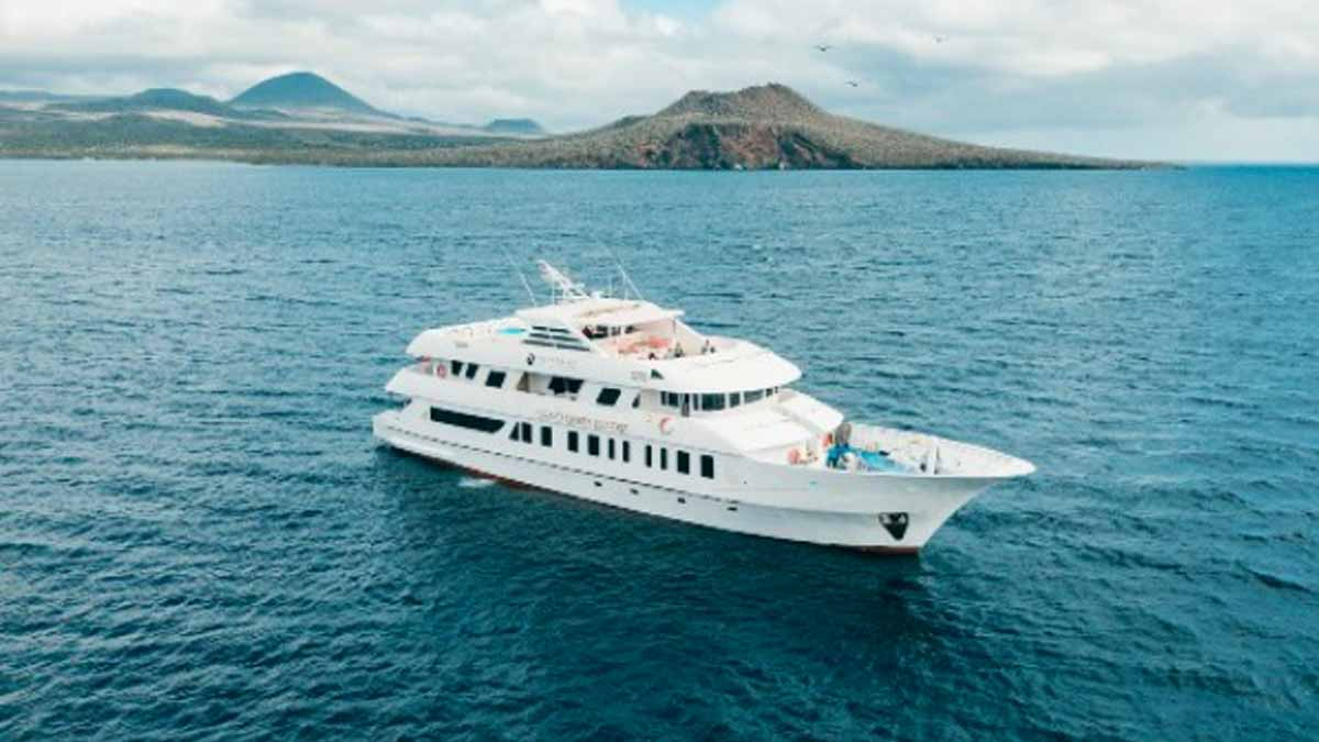 boat cruising in the galapagos