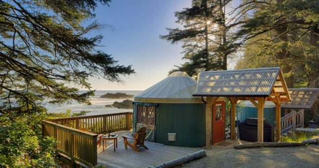 Yurt in Canada with view